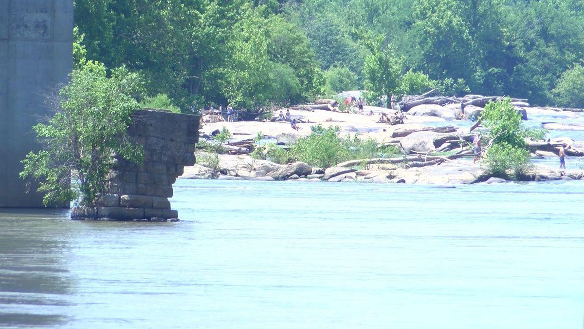 VSP investigating James River Bridge water rescue
