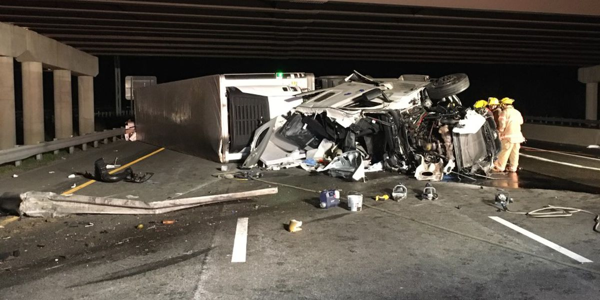 Tractor trailer driver dies in early morning crash on I-95