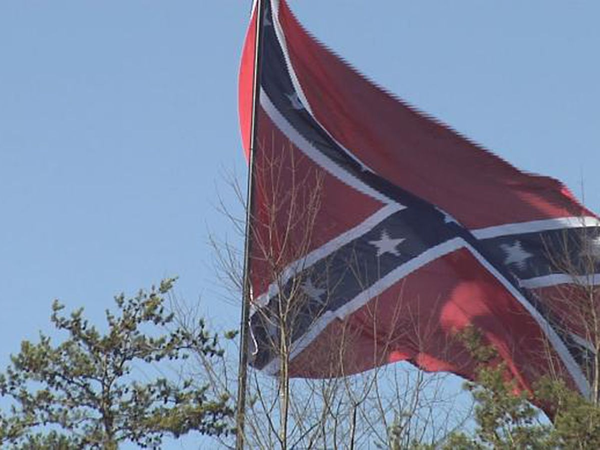 Half the staff: Confederate flag to fly from smaller pole