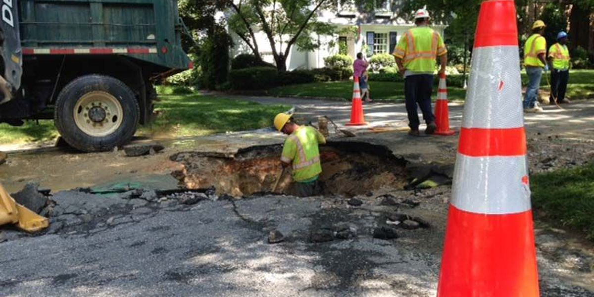 TRAFFIC ALERT: Water pooling into Grove Avenue after main break