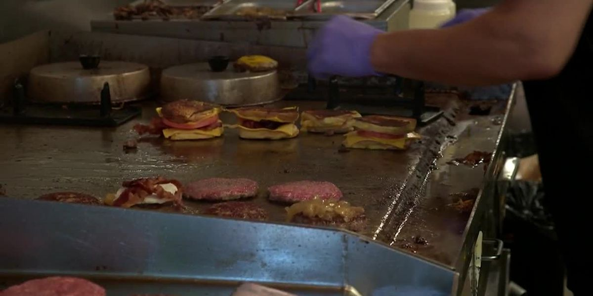 Coronavirus: Is takeout food safe to eat? Experts explain.