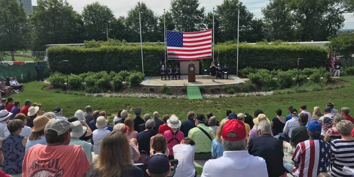 Hundreds gather at Virginia War Memorial to honor, remember fallen soldiers
