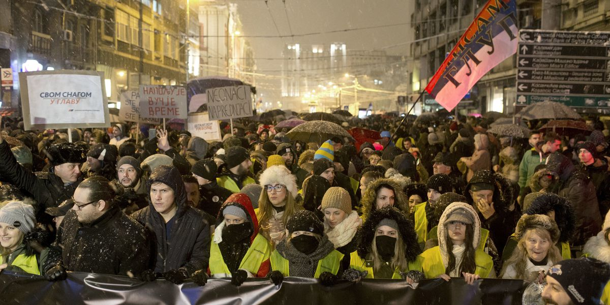 Thousands brave snow to rally against Serbian leader Vucic
