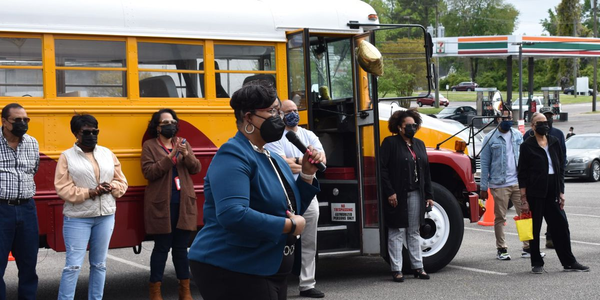 Petersburg unveils school bus with internet café, mobile library