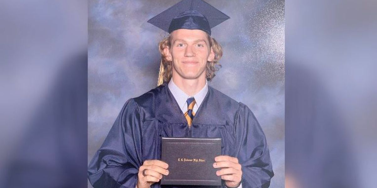 'He died a hero.' Student killed trying to stop UNCC gunman escorted home