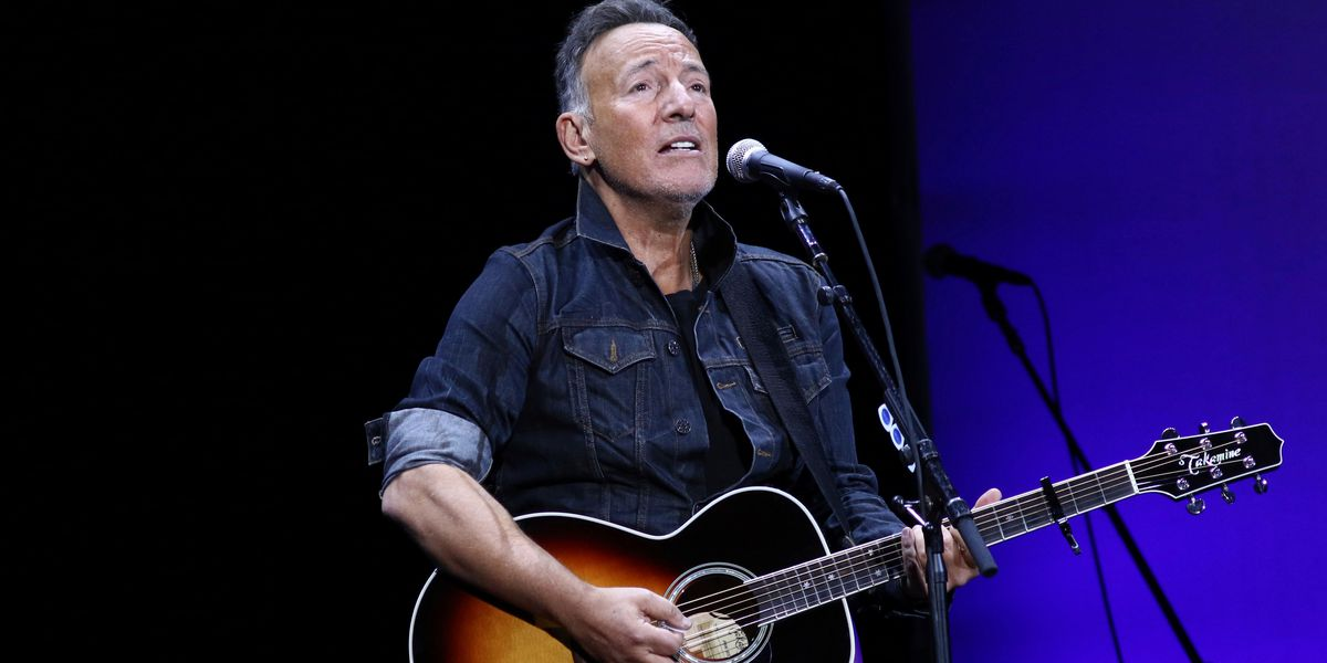 Prosecutors drop drunken driving charge against Springsteen