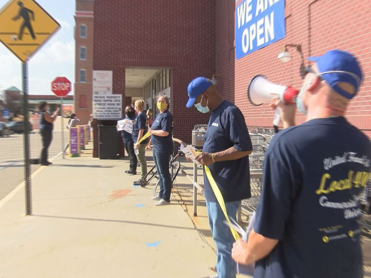 'They're not really protecting us like they should': Kroger employees protest for hazard-pay to be restored