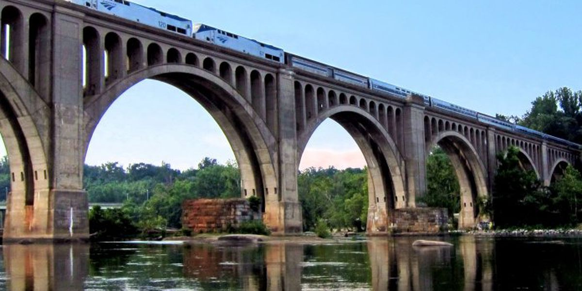 Groups want a passenger train route from the 'Blue Ridge to the beach'