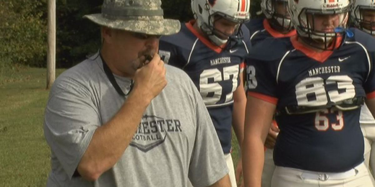 Mic'd Up: Manchester coach Tom Hall works out the offensive line