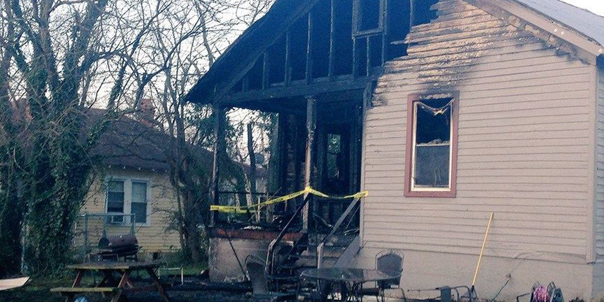 7 people displaced after fire rips through Richmond home