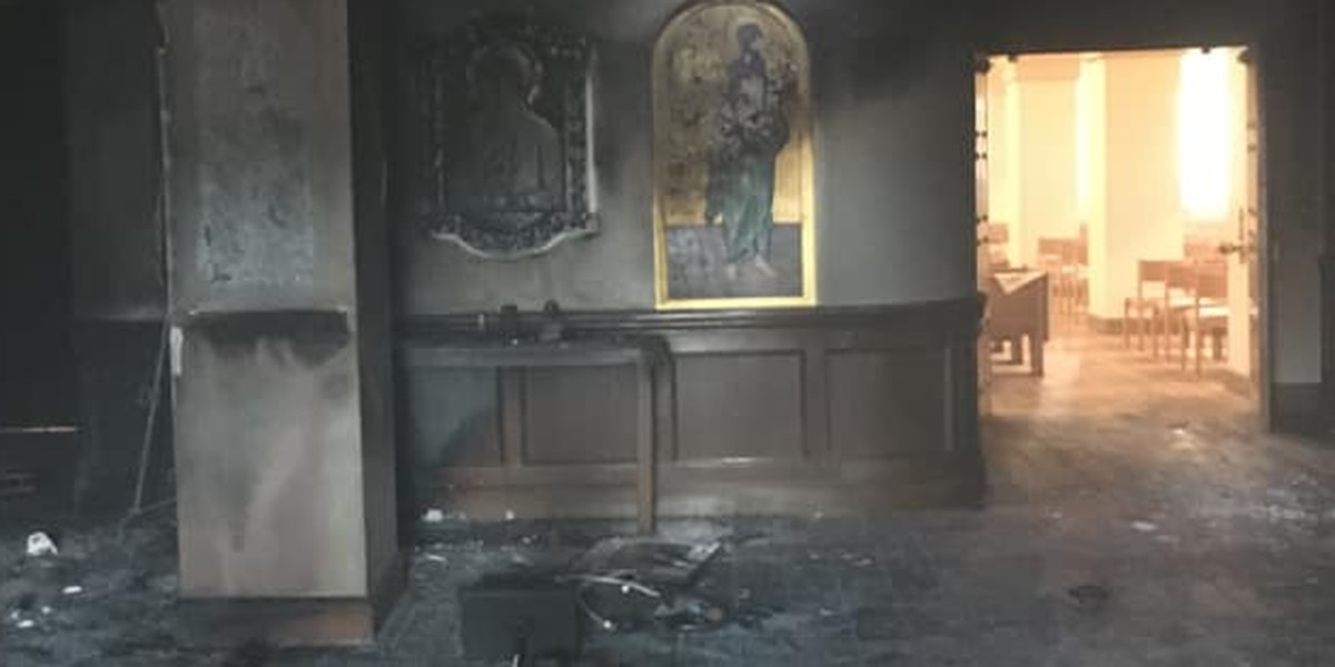Man sets fire in Florida church after plowing van inside