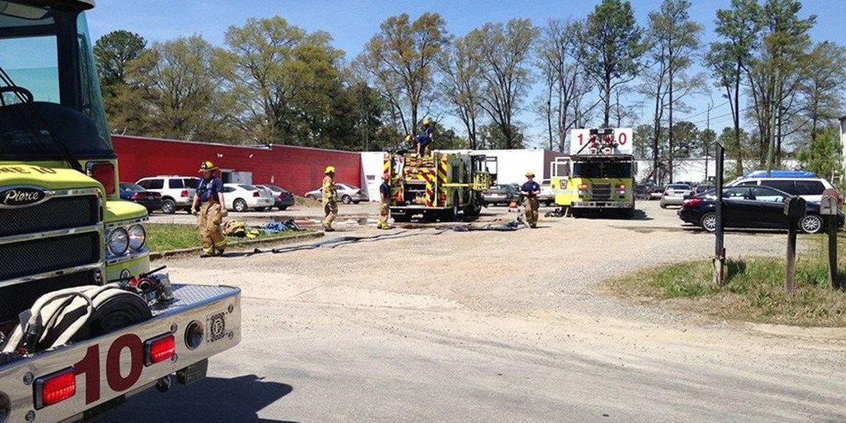 Henrico firefighters battle commercial fire in Lakeside
