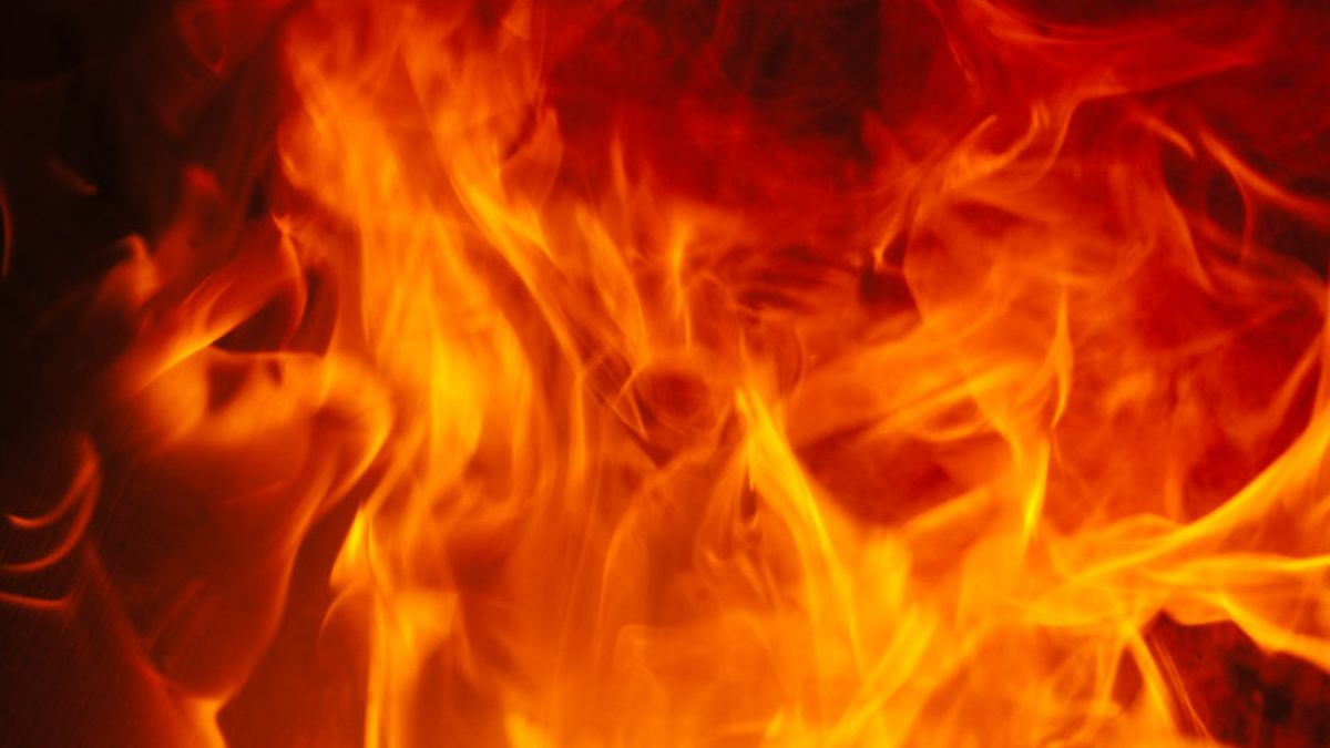 Henrico house fire leaves four people displaced