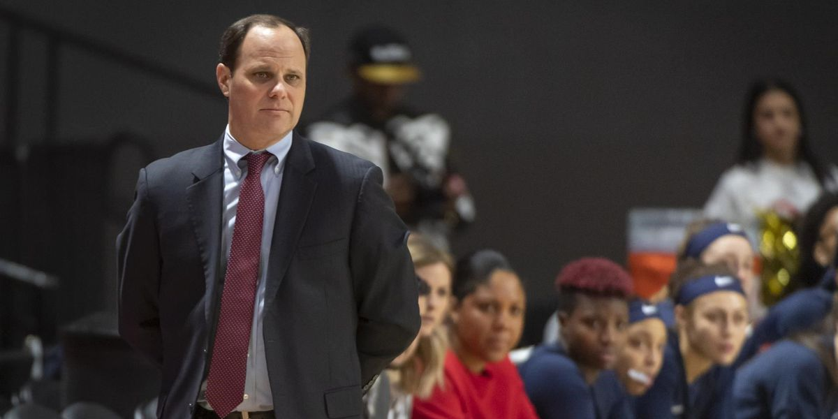 Shafer relieved of duties as Spiders' head women's basketball coach