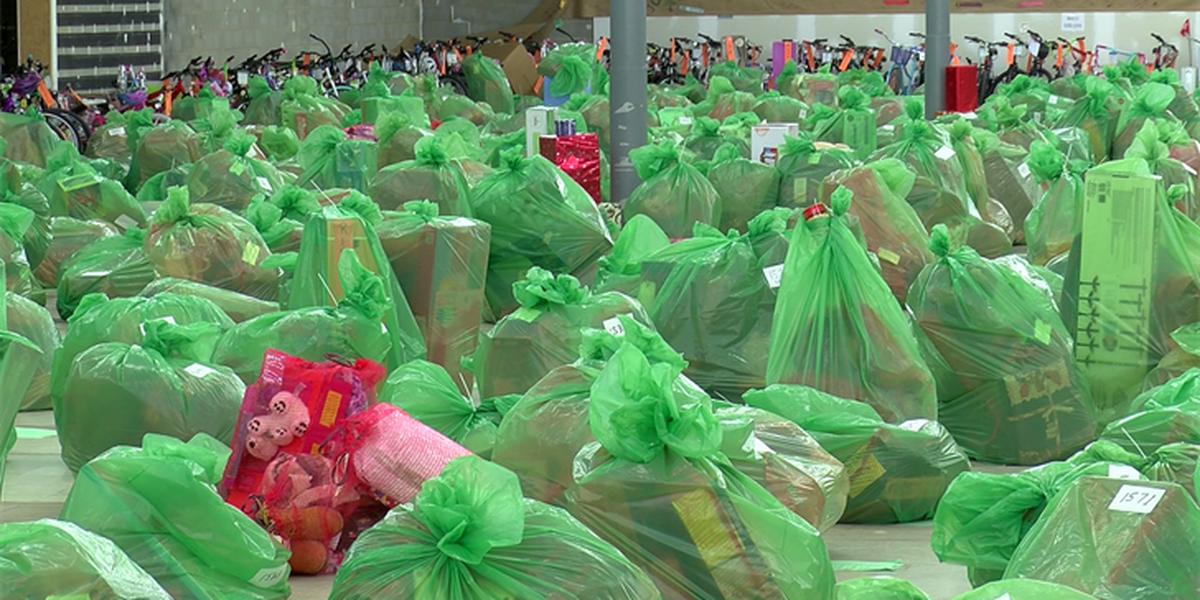 Families picks up thousands of toys, clothes from Salvation Army