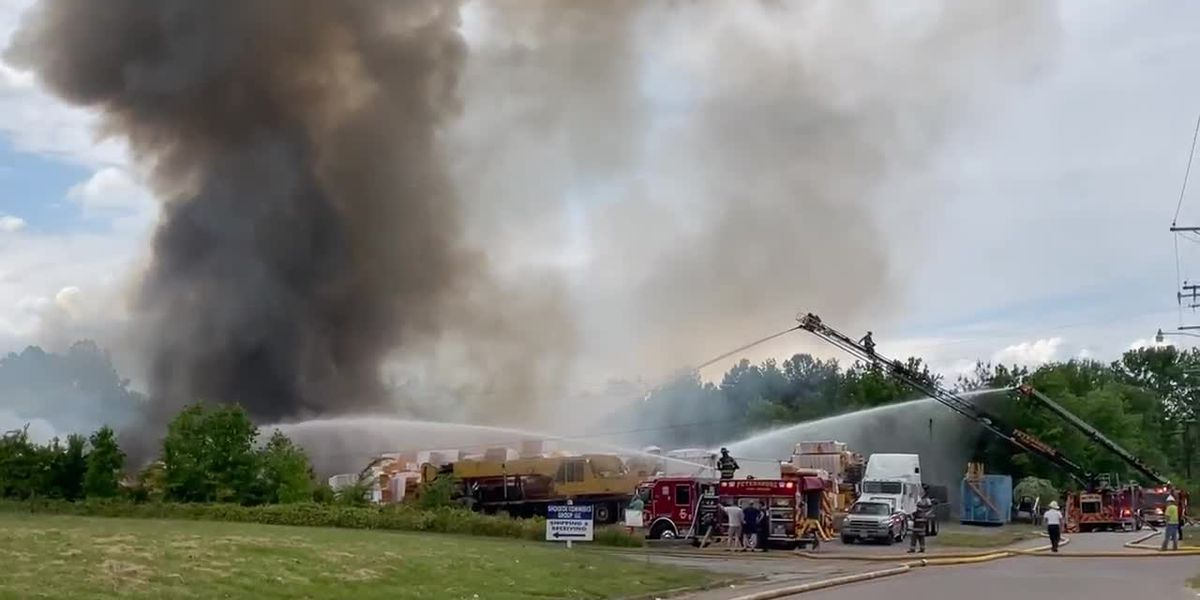 Firefighters battle large blaze at Petersburg warehouse