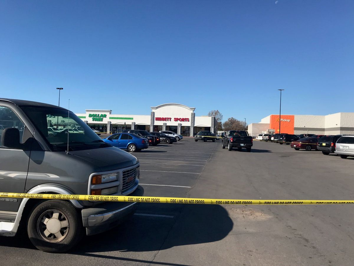 POLICE: Three dead including shooter at Duncan, OK Walmart