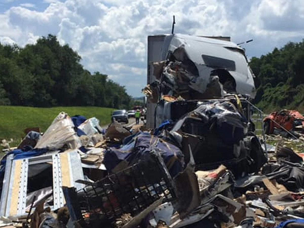 One dead after big rig crash on I-81 in Wythe County