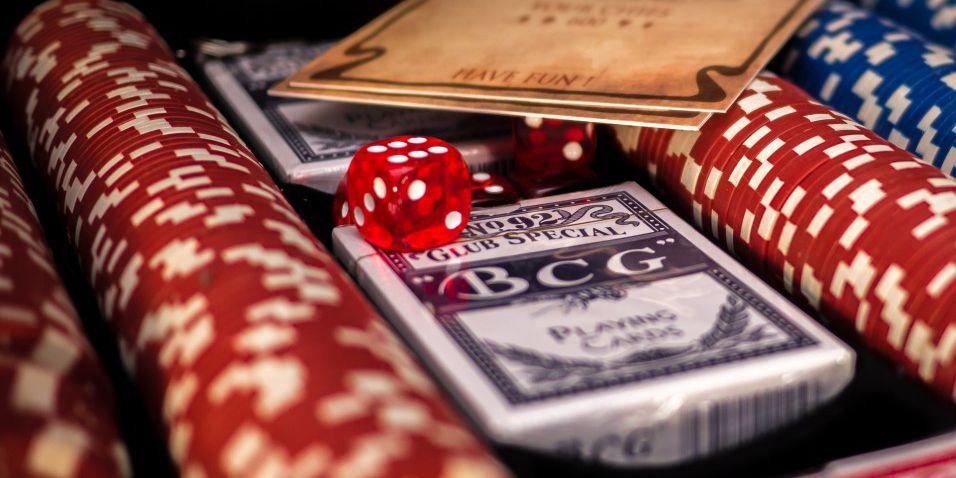 Senate panel endorses year-long study of casino gambling plans