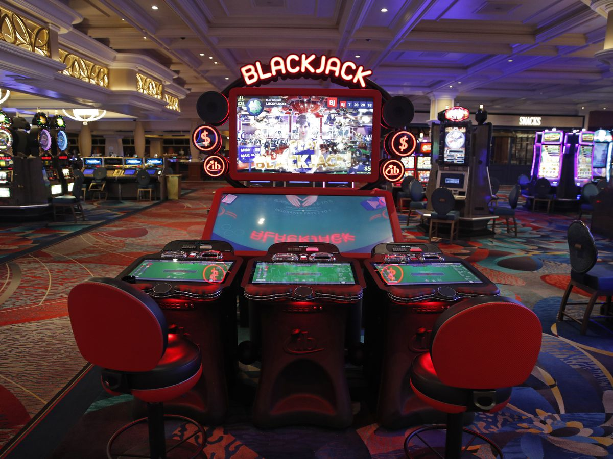 Nevada to reopen casinos June 4, welcoming tourists again