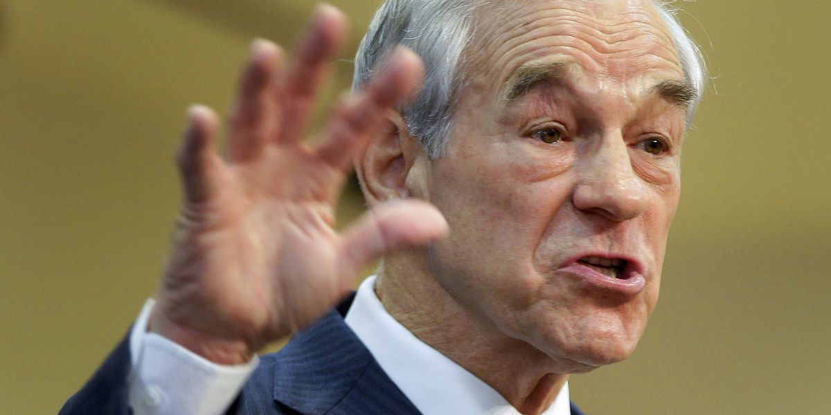 Ron Paul has medical issue during livestream, tweets 'I am doing fine'