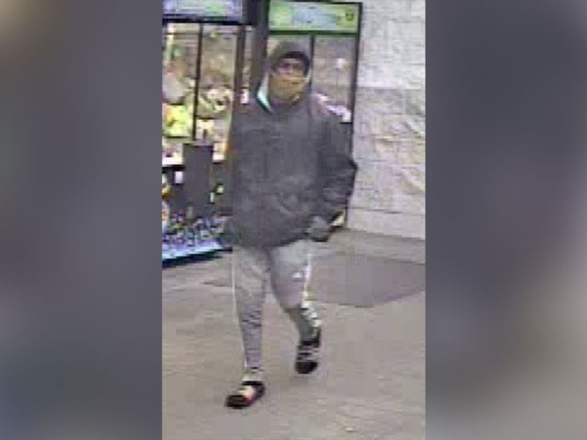 Police: Man uses stolen debit card at Petersburg Walmart