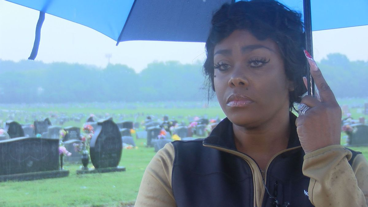 Petersburg woman seeking compensation for mother's delayed burial