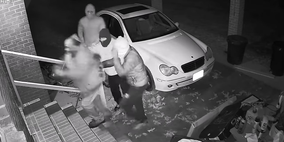 TERRIFYING VIDEO: Surveillance shows chilling moments before homicide, police search for suspects