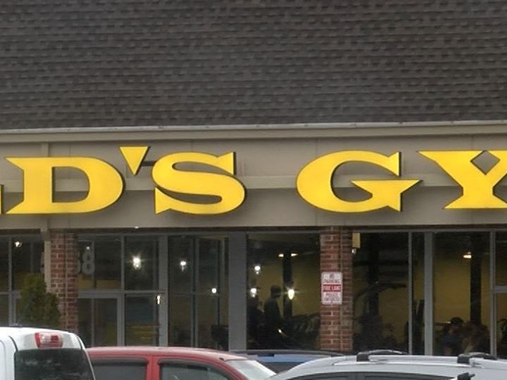 14-year-old girl dies at Gold's Gym in Chesterfield