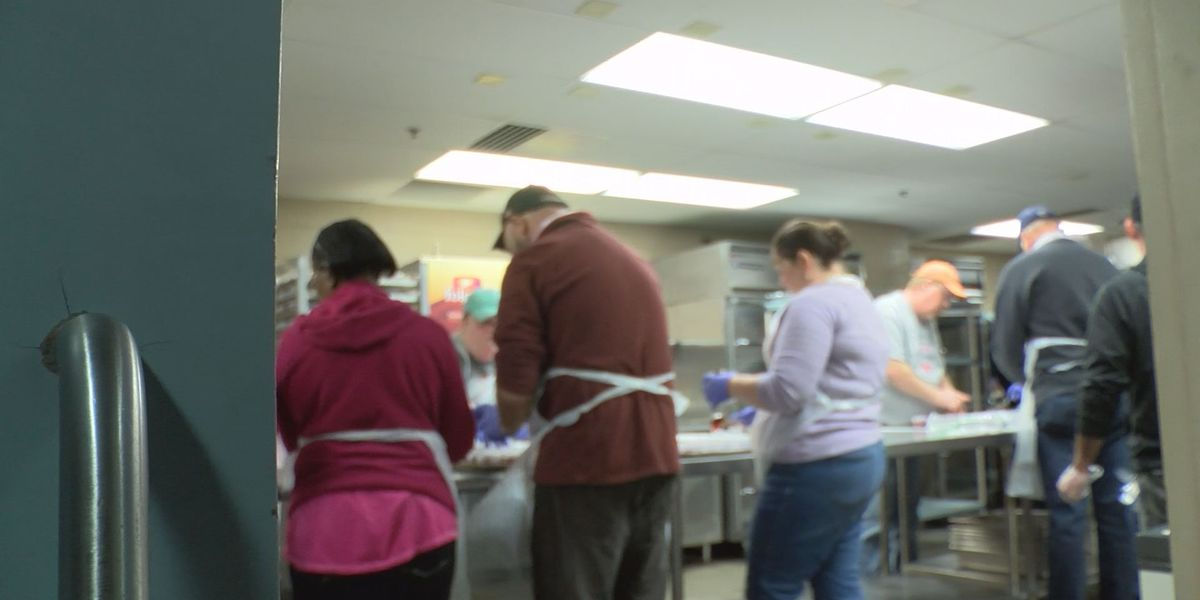 Volunteers prepare to feed thousands at Giving Heart Community Thanksgiving Feast