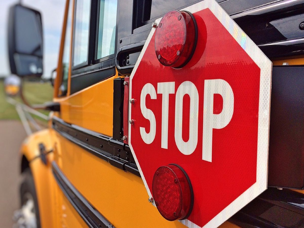 3 students injured in Hopewell school bus crash
