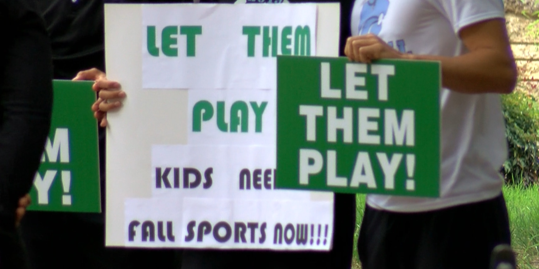 'Let them play!': Parents, student-athletes push for immediate return of fall sports