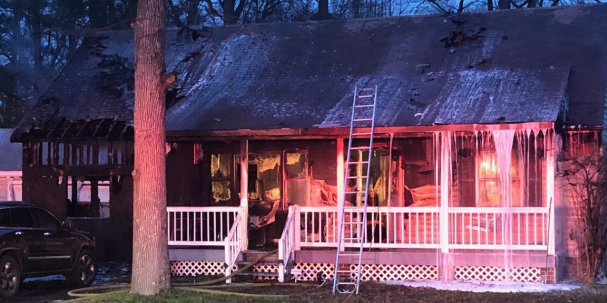 Crews battle house fire in Chesterfield