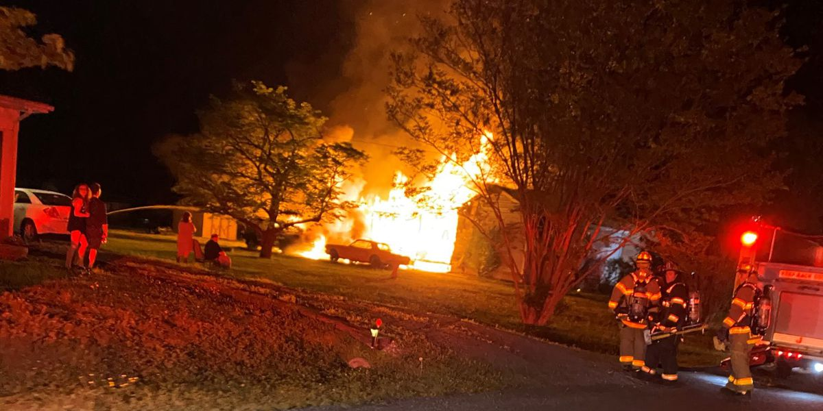Resident calls 911 after fire erupts from Henrico home