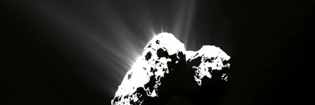 Comet has its own northern lights