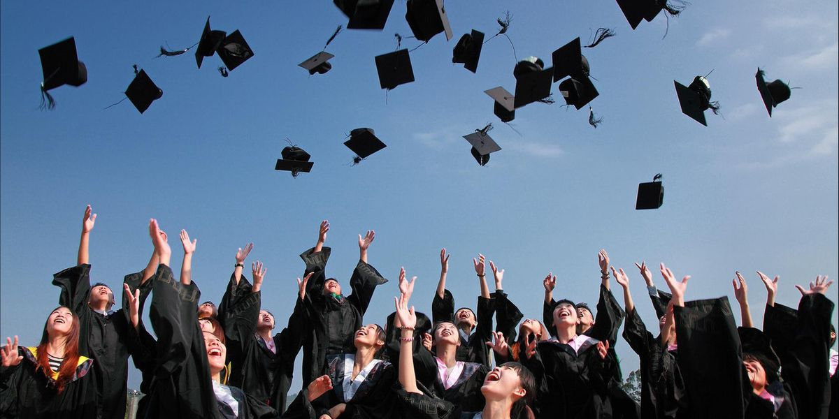 5 seniors at graduation ceremony test positive for COVID-19