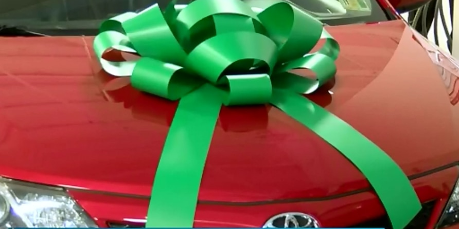 2 military veteran families given free vehicles for holidays