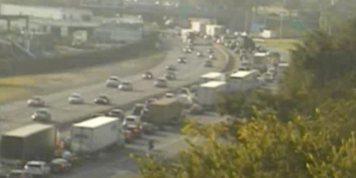 Tractor-trailer accident causes backup on I-95