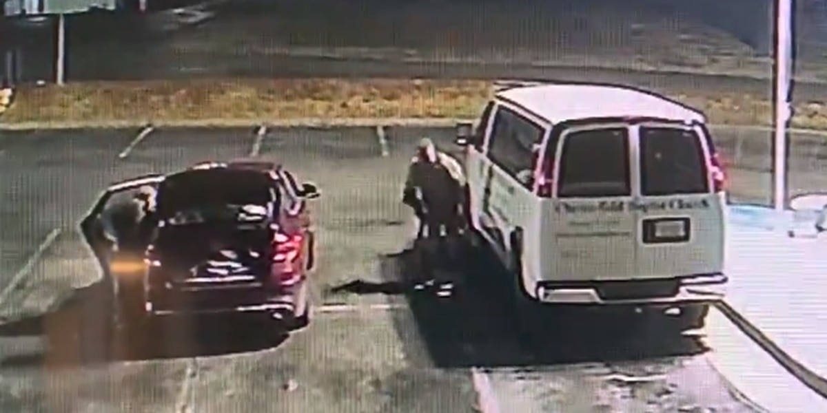 thieves in parking lot