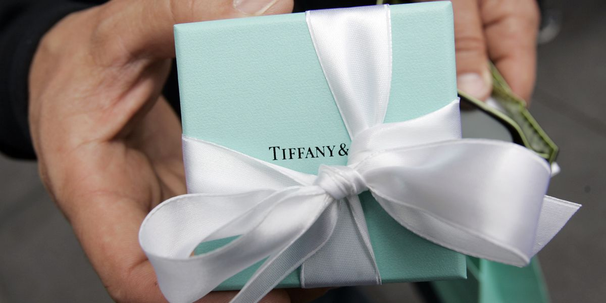 French luxury group LVMH to buy iconic jeweler Tiffany for $16.2 billion