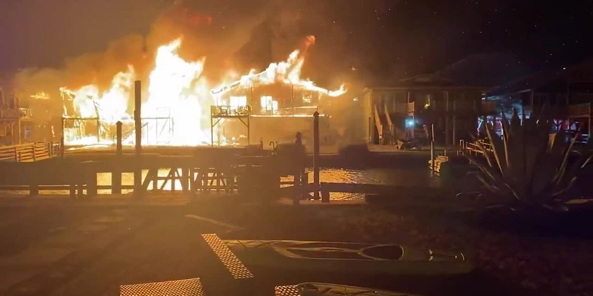 RAW VIDEO: Crews respond to massive overnight fire in Ocean Isle Beach (Source: Ray Lyles)