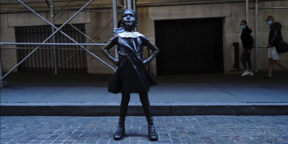 Fearless Girl statue pays tribute to RBG in NYC