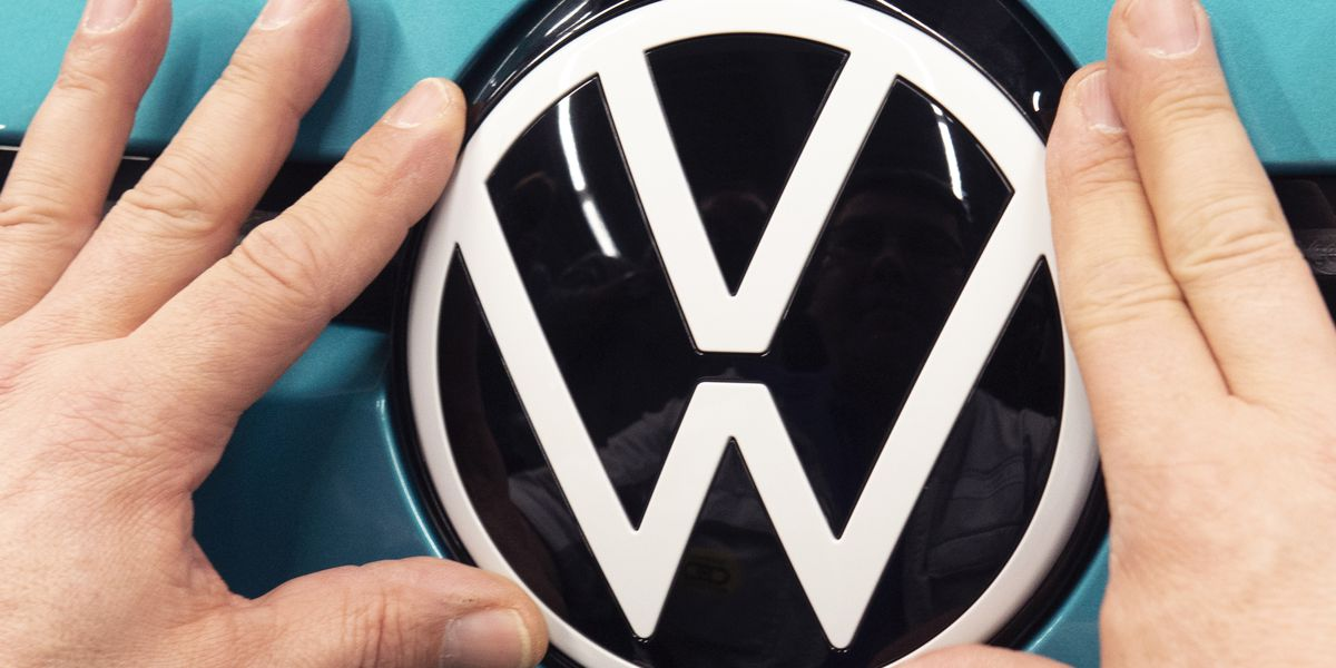 US agency opens 2 safety probes of Volkswagen, Audi vehicles