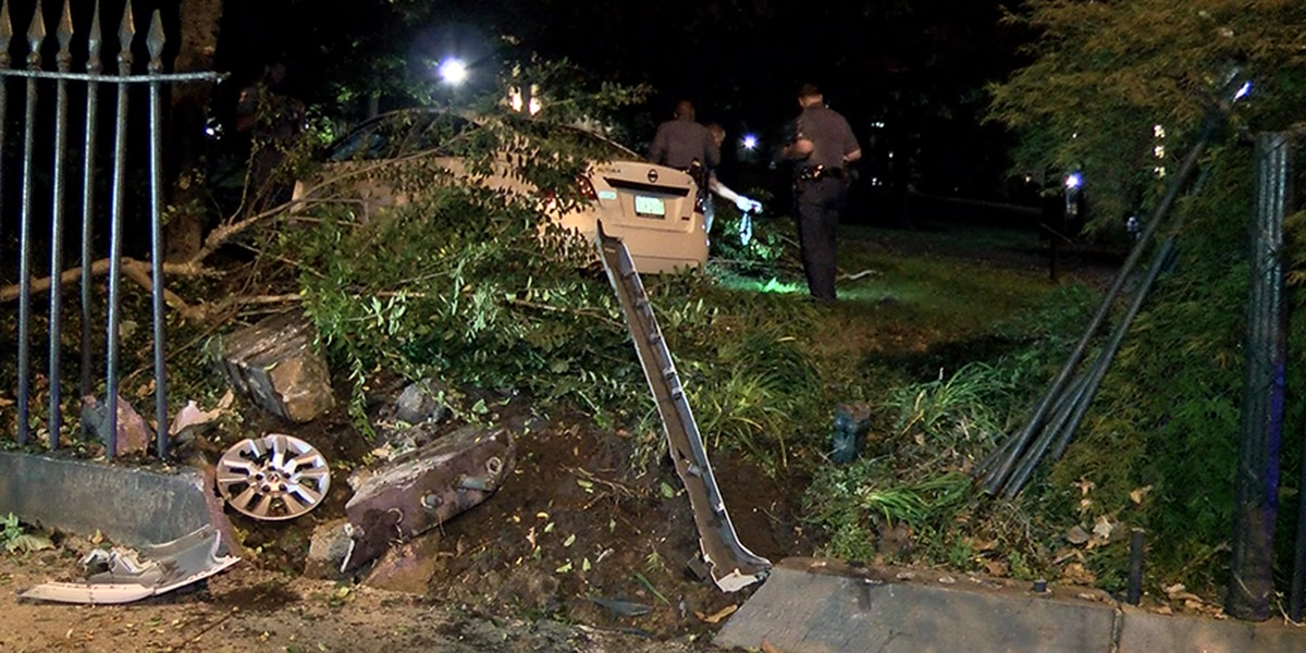 Driver charged for plowing through fence at State Capitol