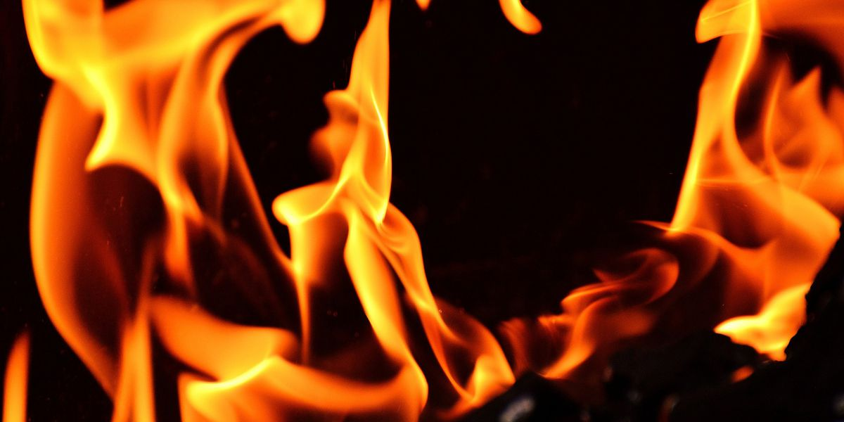 4 displaced followed townhouse kitchen fire