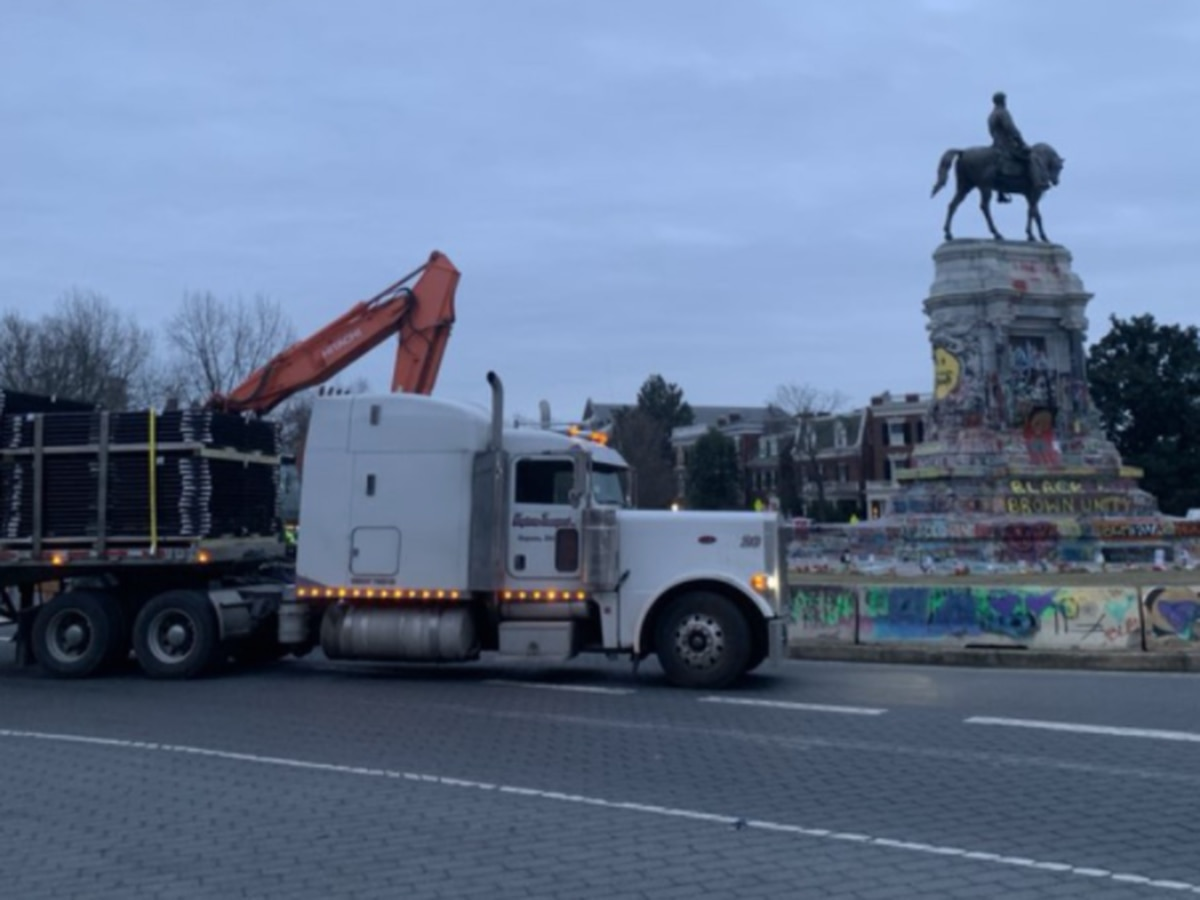 Fence to be installed around Lee Monument in preparation of removal