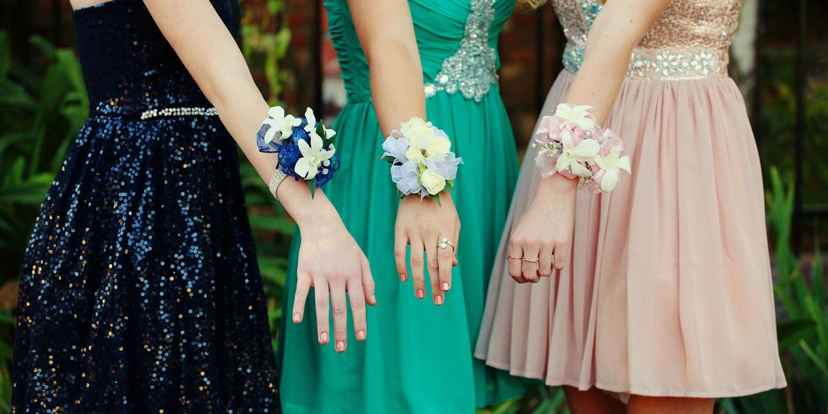 Organization to host free prom dress giveaway
