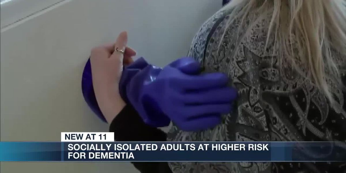 Geriatric expert says socially isolated adults at higher risk for dementia