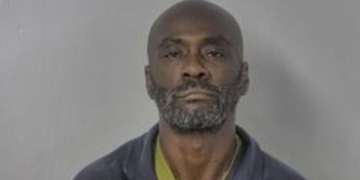 Man charged with sexual battery after women say he touched them while shopping