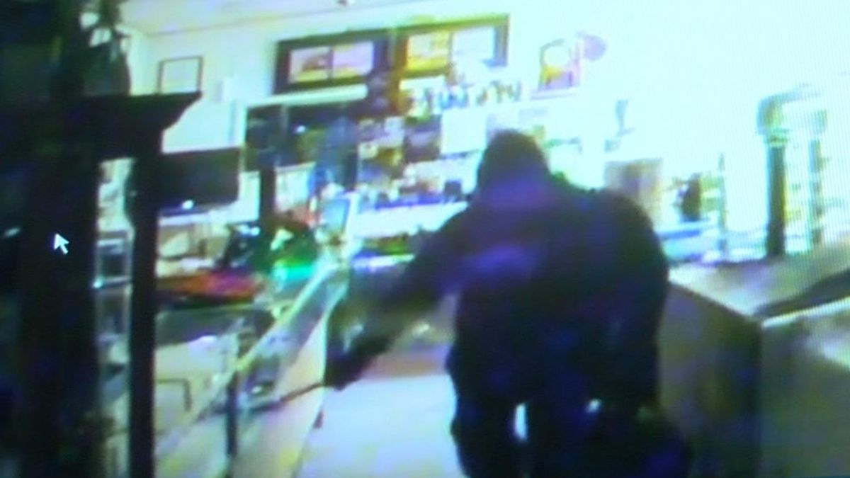 'I hope you burn in hell,' Ashland jewelry store owner says to burglar